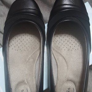 Life Stride Dig Black Suede Cowgirl 7.5 Flats